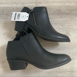 NWT Time & Tru zipper ankle boots 7.5
